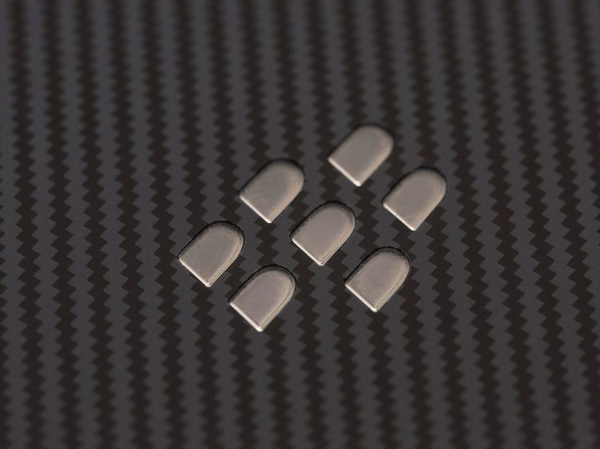blackberry evolve x Ghulio Nairobi